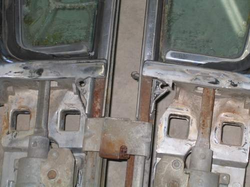 Wing window castings with broken mount holes