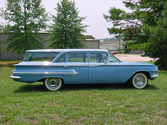 1960 Kingswood Wagon blue 9.JPG